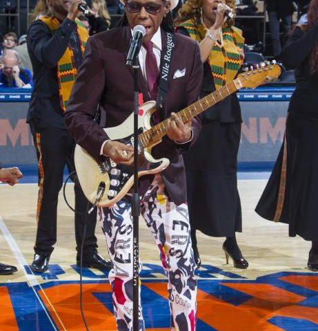 KnicksHalftimewithNileRodgersandKathySledge11