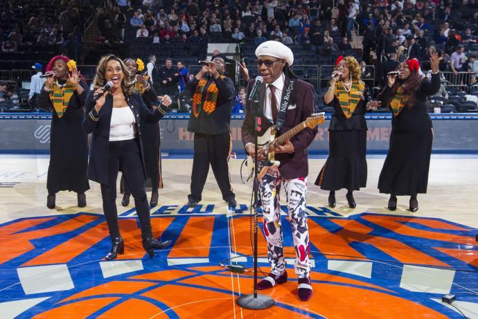 KnicksHalftimewithNileRodgersandKathySledge5